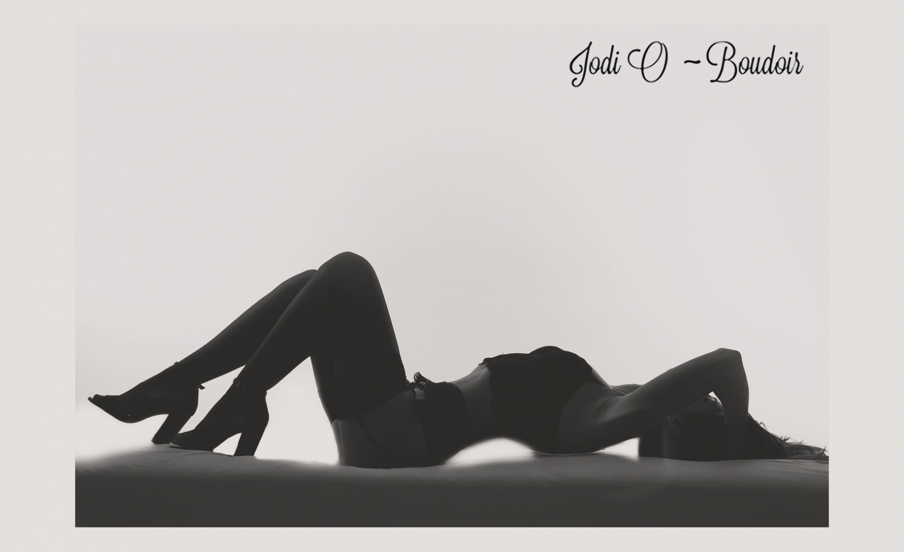 Calgary boudoir photographer with years of experience.  Time tested technique offer the best best to look the most beautiful.