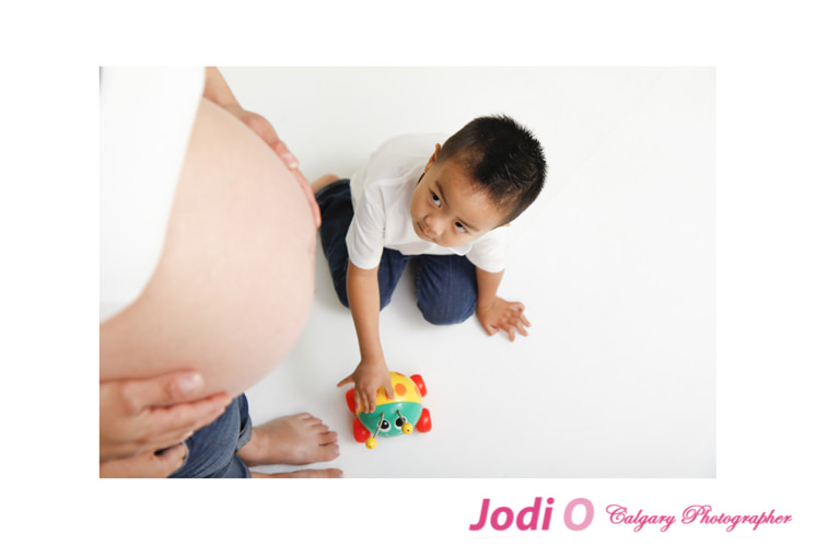 Calgary-Maternity-Photographer-13