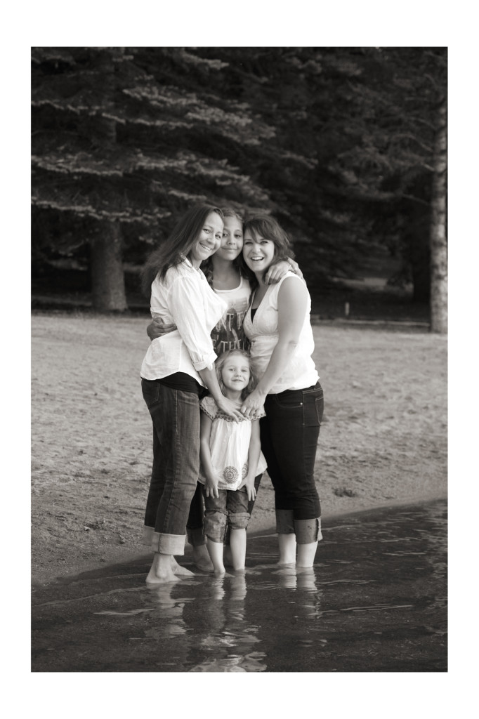 Calgary_Fun_Family_Photographer__17_