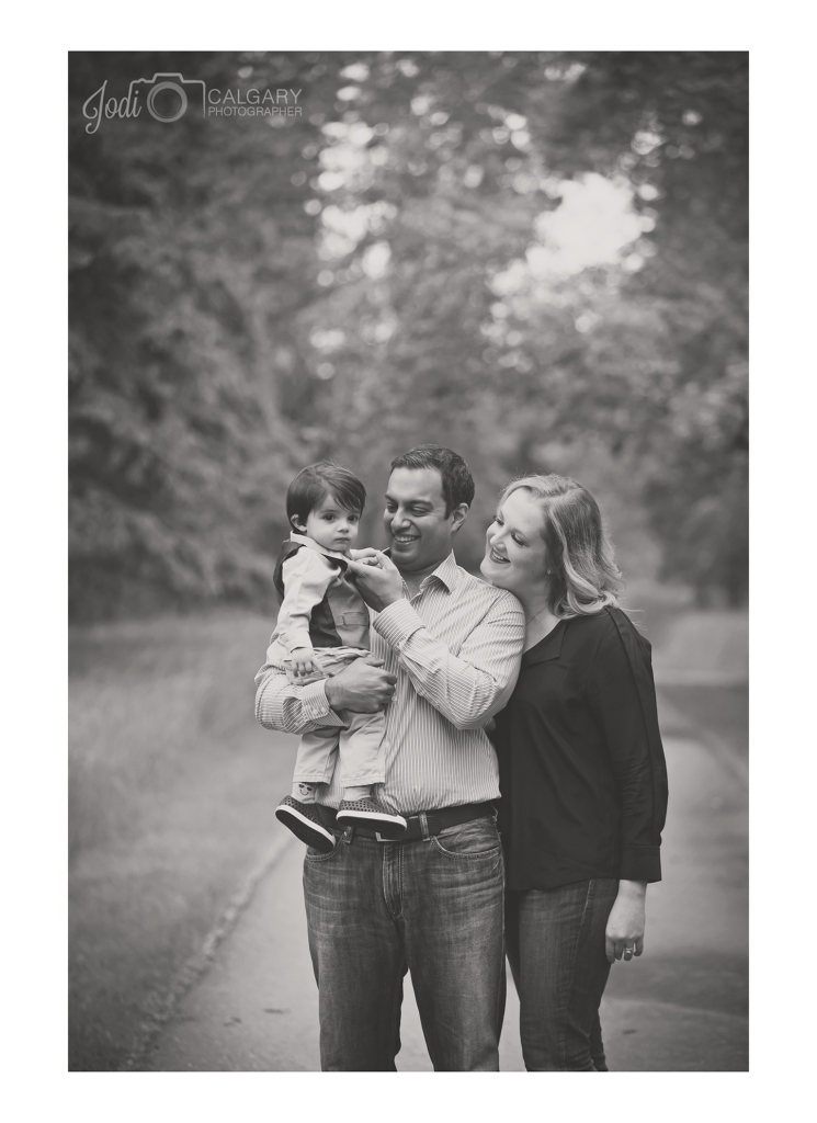 Calgary Fish Creek Family Photographer (4)