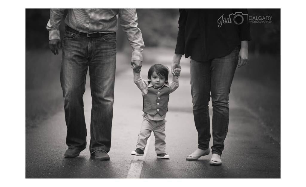 Calgary Fish Creek Family Photographer (6)